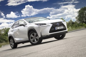 Lexus NX 300h - test video