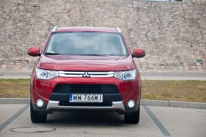 Testy mojeauto.pl: Mitsubishi Outlander 2.2 D-ID
