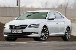 Testy mojeauto.pl: Skoda Superb 2.0 TDI Laurin & Klement