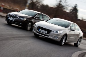Testy mojeauto.pl: Peugeot 508 vs Skoda Superb