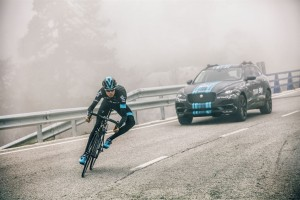 Jaguar F-Pace na Tour de France