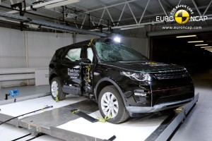Crash-test Land Rovera Discovery Sport na piątkę