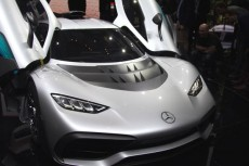 Mercedes-AMG Project One - Z F1 na drogi
