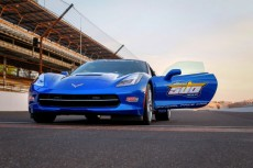 Corvette Stingray jako Safety Car w Indy 500