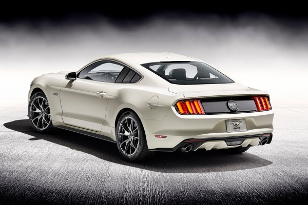 Ford Mustang 50 Year Limited Edition  - motogazeta mojeauto.pl