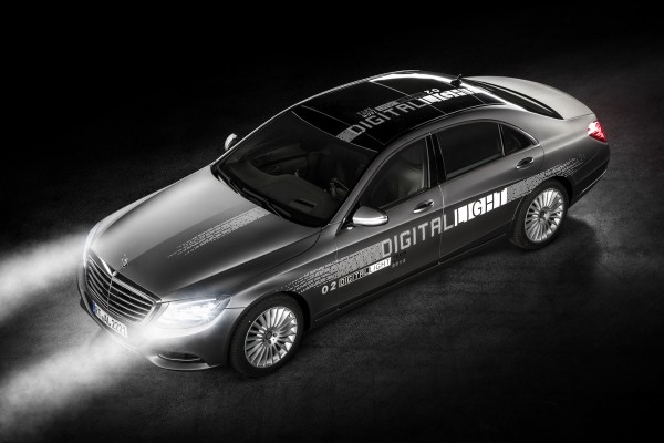 Mercedes Digital Light  - motogazeta mojeauto.pl