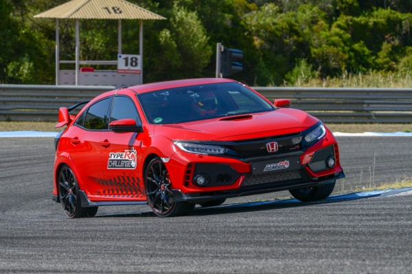Honda Civic Type R na Estoril  - motogazeta mojeauto.pl