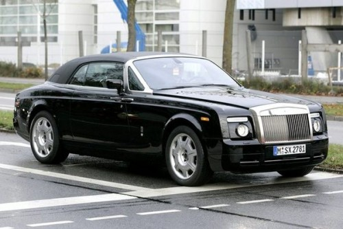 Rolls-Royce Coupe na drogach