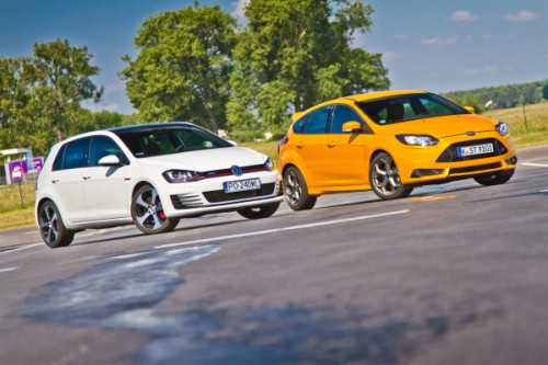 Volkswagen Golf GTI vs. Ford Focus ST