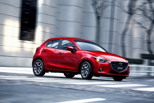 Mazda 2 z tytułem Japan Car of the Year 2014-2015