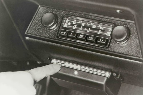 75 lat Car Audio