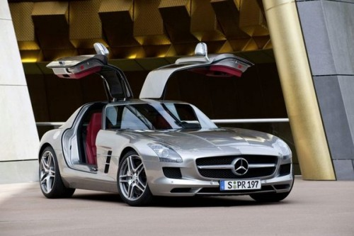 Nowy Gullwing we Frankfurcie