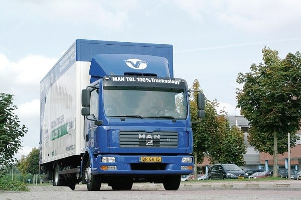 MAN TGL - Truck of the Year 2006  - motogazeta mojeauto.pl