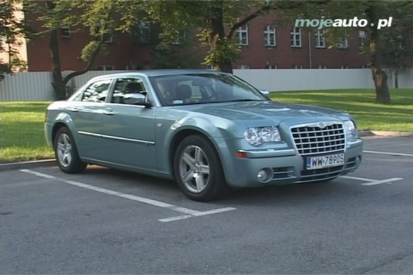 Testy mojeauto.pl: Chrysler 300C - video w mojeauto.tv