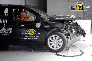 Land Rover Discovery Sport - crash test
