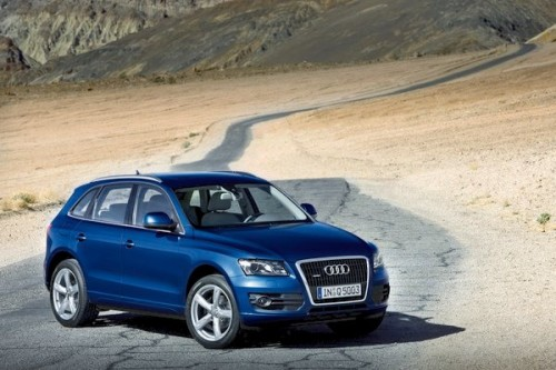 Audi Q5 Hybrid w Los Angeles + [VIDEO]