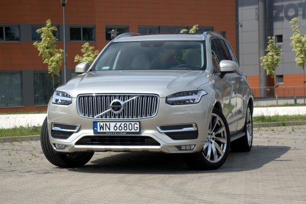 Volvo XC90 Inscription D5 AWD  - motogazeta mojeauto.pl