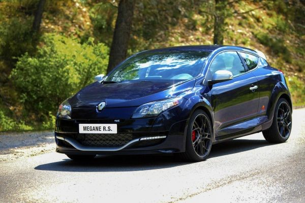 Renault Megane Coupé RS Red Bull Racing RB8 Limited Edition  - motogazeta mojeauto.pl